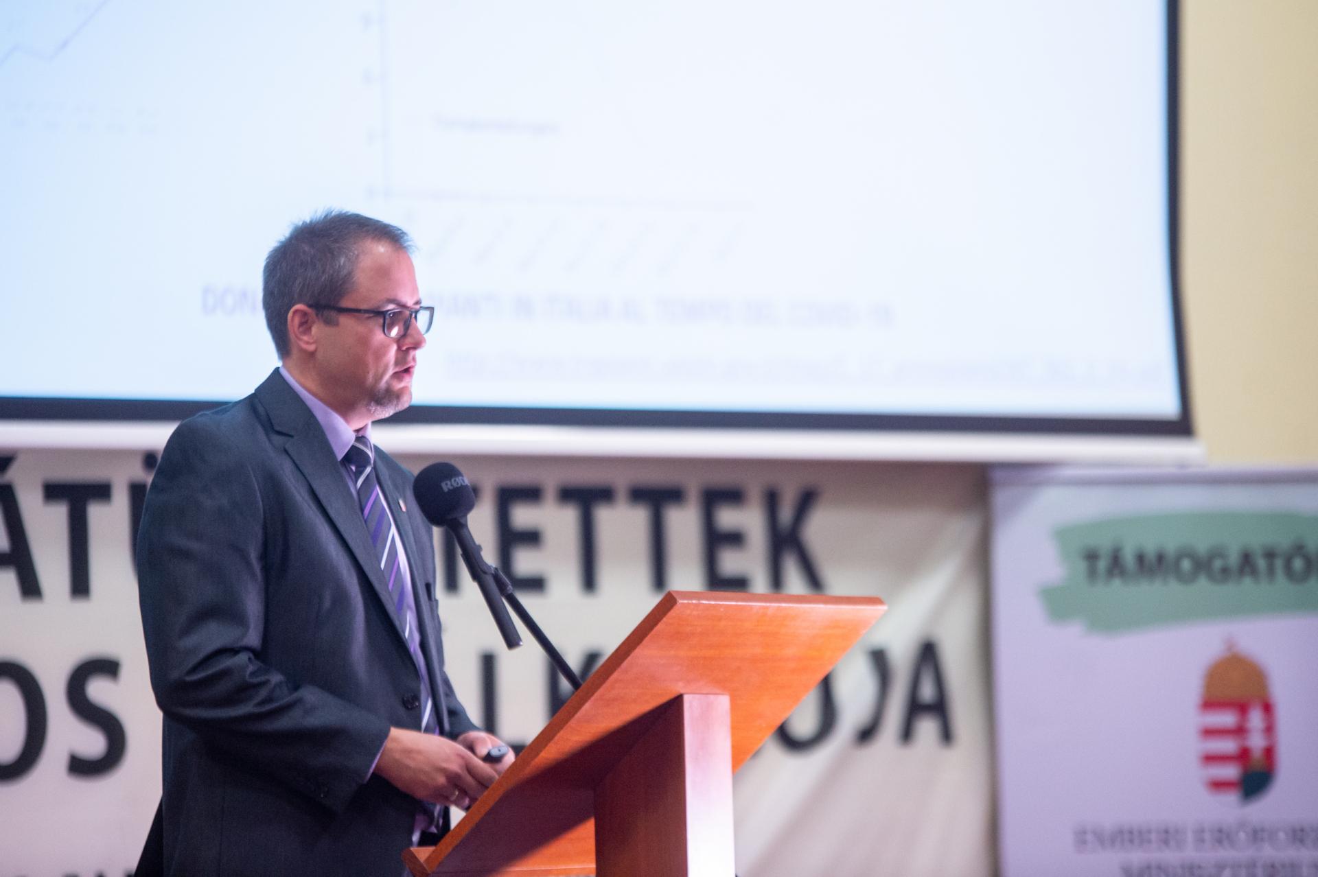Dr. Mihály Sándor